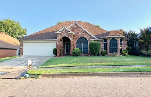 6729 Greenleaf Drive - 6729 Greenleaf Drive, North Richland Hills, TX 76182