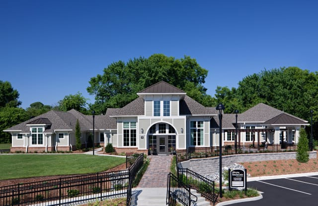 Abbington at Hampton Center - 70 Lakeshore Dr, Hampton, VA 23666