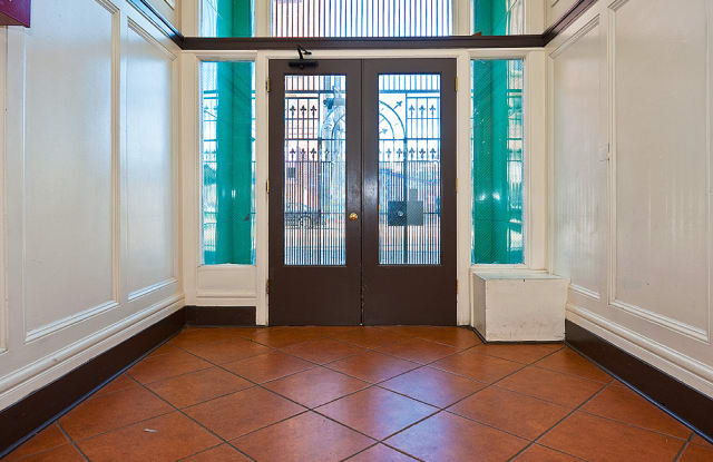 The Sonoma Suites - Furnished Short-Term Rental - 2911 16th St, San Francisco, CA 94110