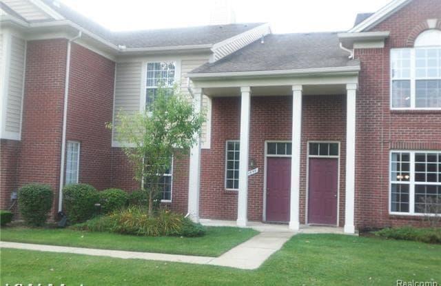 1650 DEEPWOOD Circle - 1650 Deepwood Circle, Rochester, MI 48307