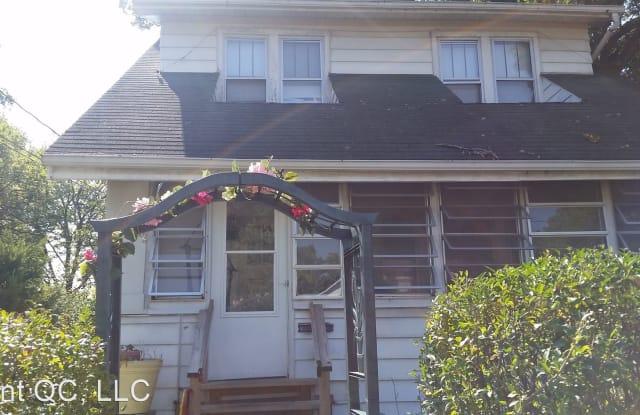 2912 13th Ave - 2912 13th Avenue, Rock Island, IL 61201