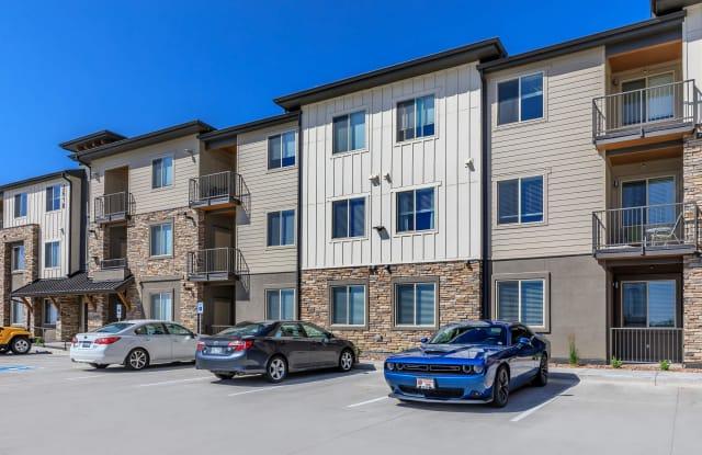 Overlook at Mesa Creek Apartments - 2640 Grand Vista Cir, Colorado Springs, CO 80904