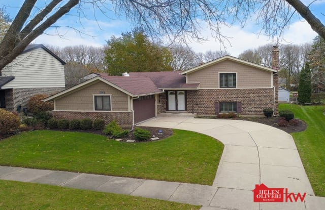2607 North Stratford Road - 2607 North Stratford Road, Arlington Heights, IL 60004