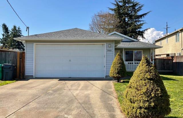 7969 N Courtenay - 7969 North Courtenay Avenue, Portland, OR 97203