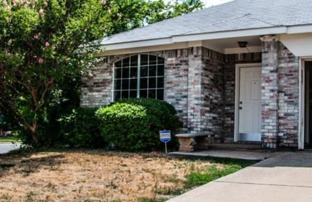 7101 Park Creek Circle E - 7101 Park Creek Circle East, Fort Worth, TX 76137