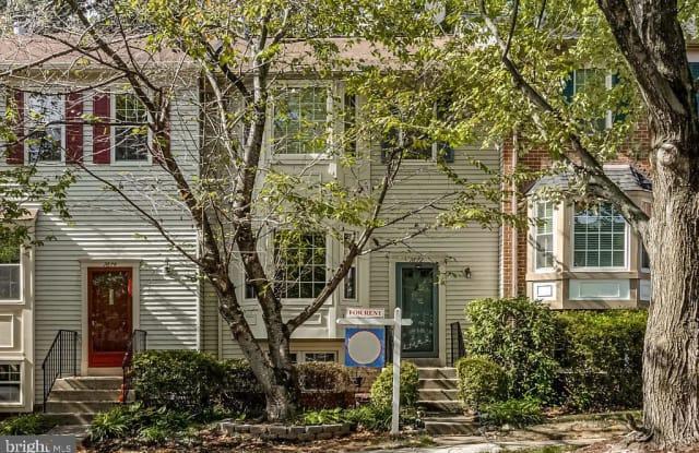 7872 COLONIAL VILLAGE ROW - 7872 Colonial Village Row, Annandale, VA 22003