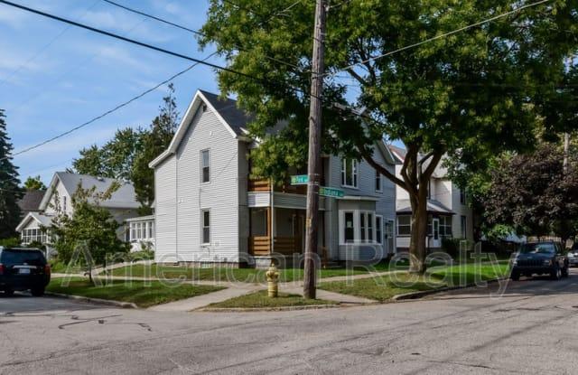 157 Indiana Ave SW 1 - 157 Indiana Avenue Southwest, Grand Rapids, MI 49504