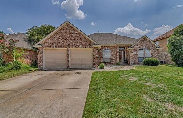 2202 Richmond Circle - 2202 Richmond Cir, Mansfield, TX 76063