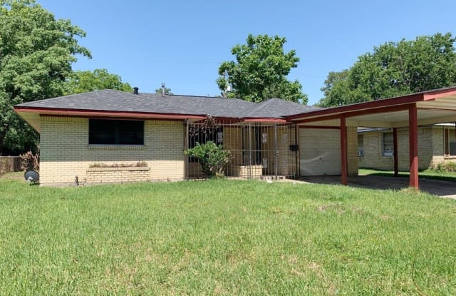 10133 Rockaway Dr - 10133 Rockaway Drive, Houston, TX 77016