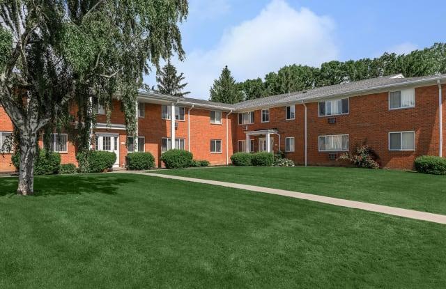 Greystone Apartments & Townhomes - 177 Greystone Ln, Rochester, NY 14618