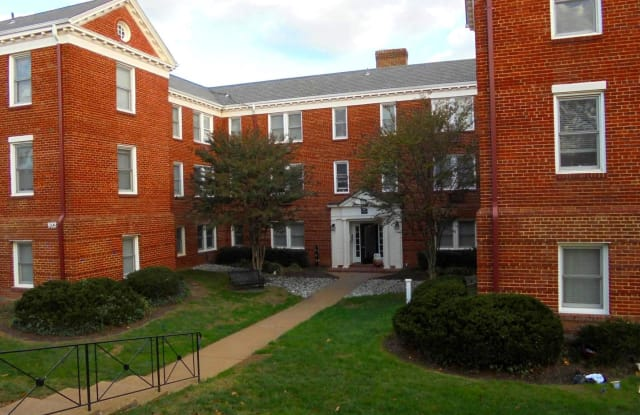 922 S WASHINGTON ST #208 - 922 South Washington Street, Alexandria, VA 22314