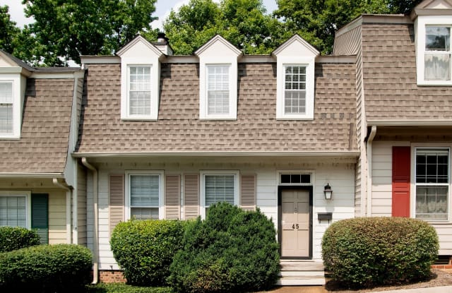 Chowning Square - 4141 Woodlawn Dr, Nashville, TN 37205