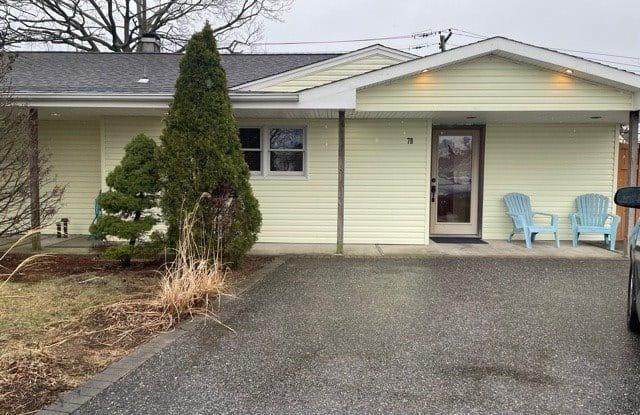 78 S Millpage Drive - 78 South Millpage Drive, Plainedge, NY 11714
