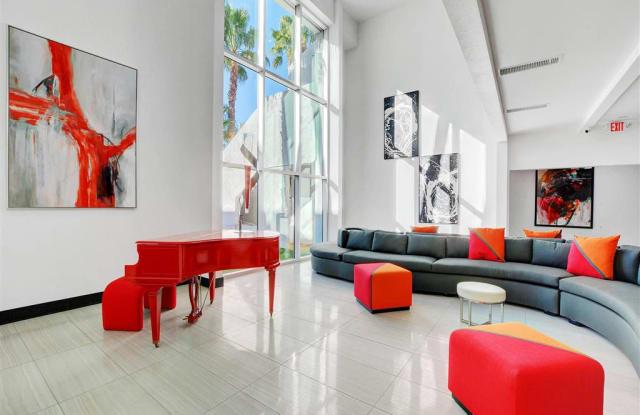 Evoq Apartments - 3550 Paradise Rd, Las Vegas, NV 89169