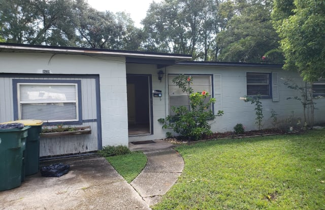 1639 DIBBLE CIR E - 1639 Dibble Circle East, Jacksonville, FL 32246