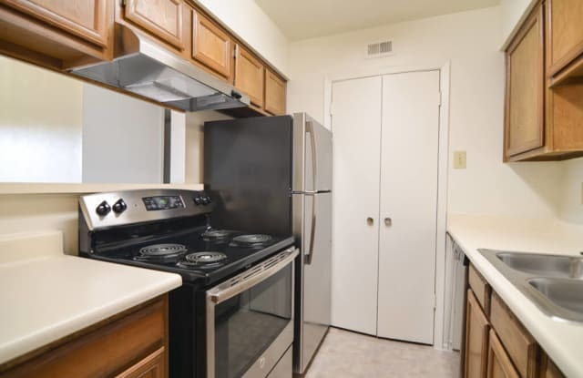 WILDFLOWER APARTMENT HOMES - 4301 Raleigh Ct, Midland, TX 79707