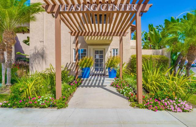 Spring Tree Apartments - 2611 W Baylor Cir, Anaheim, CA 92801