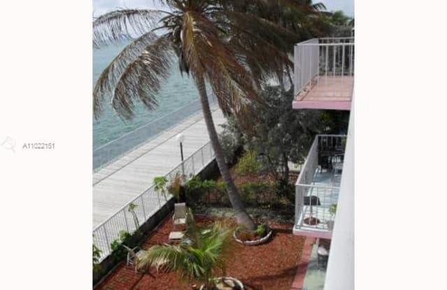 Marina Del Rey - 1006 Bay Drive, Miami Beach, FL 33141