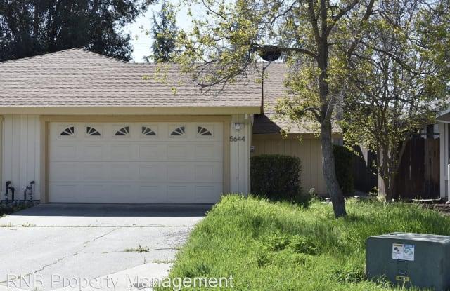 5644 Mapleridge Court - 5644 Mapleridge Court, Rocklin, CA 95677