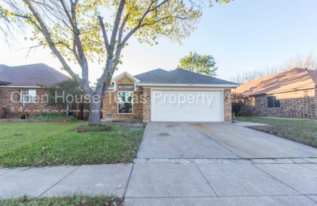 5706 Spyglass Hill Drive - 5706 Spyglass Hill Drive, Arlington, TX 76018