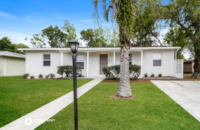 1655 Weybridge Street - 1655 Weybridge Street, Deltona, FL 32725