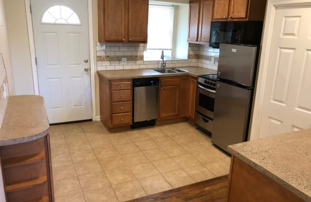 6 Woodmont Road - 6 Woodmont Rd, Montgomery County, PA 19428