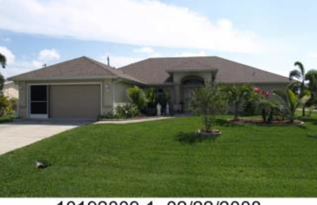 1404 SE 35TH ST - 1404 Southeast 35th Street, Cape Coral, FL 33904
