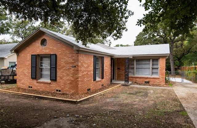 2308 N Edgewood Terrace - 2308 Edgewood Terrace, Fort Worth, TX 76103