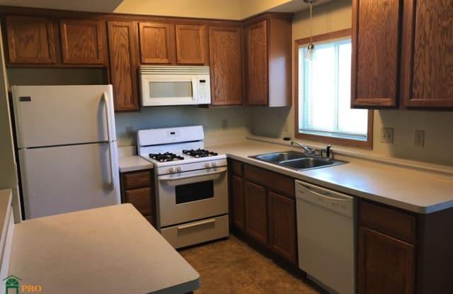 8478 Adair Avenue North - 8478 Adair Avenue North, Brooklyn Park, MN 55443