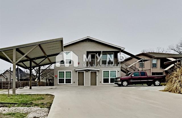 708 W 6th St Unit D - 708 West 6th Street, Taylor, TX 76574
