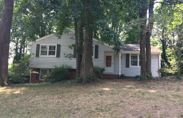 2623 Robin Hood Drive - 2623 Robin Hood Drive, Greensboro, NC 27408