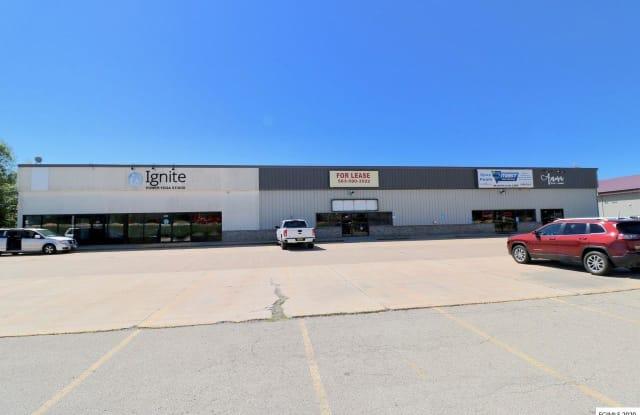 4482 Dodge - 4482 Dodge Street, Dubuque, IA 52003