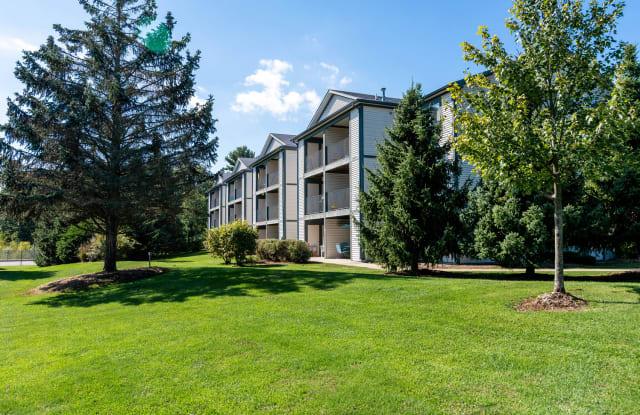 Woodland Ridge - 18270 Woodland Ridge Dr, Spring Lake, MI 49456