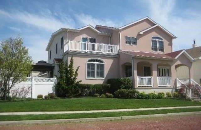 125 W Penn Street - 125 West Penn Street, Long Beach, NY 11561