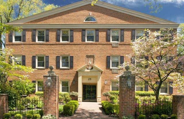 Chestnut House - 25 Chestnut St, Haddonfield, NJ 08033