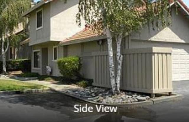 49 Del Prado Cir - 49 Del Prado Circle, Fairfield, CA 94533