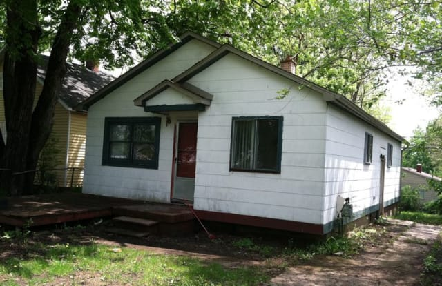 35 Parkdale Ave - 35 Parkdale Avenue, Pontiac, MI 48340