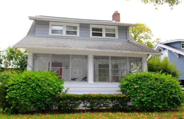 215 Buena Vista Avenue - 215 Buena Vista Avenue, Ann Arbor, MI 48103