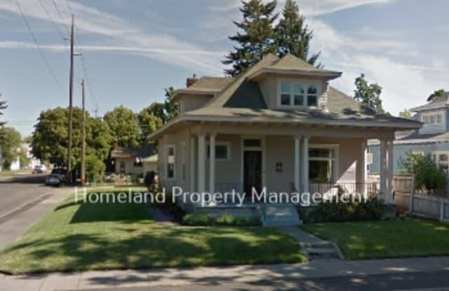 1432 West Knox Ave Unit 2 - 1432 West Knox Avenue, Spokane, WA 99205
