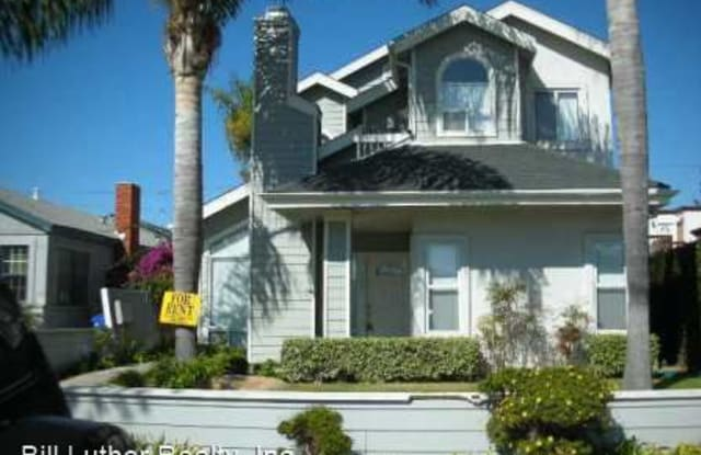 2058 Reed Ave - 2058 Reed Avenue, San Diego, CA 92109