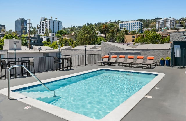 Villa Francisca - 930 North Palm Avenue, West Hollywood, CA 90069
