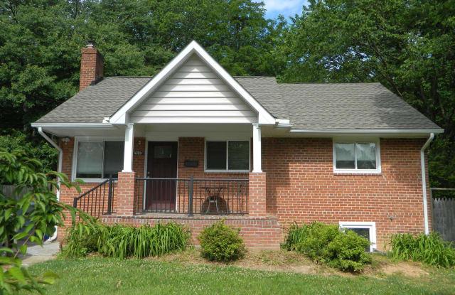 7038 LEE PARK COURT - 7038 Lee Park Court, West Falls Church, VA 22042