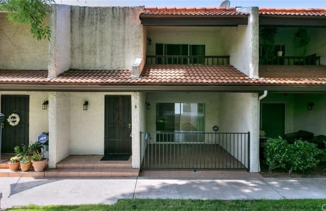 9347 Via Patricia - 9347 via Patricia, Los Angeles, CA 91504