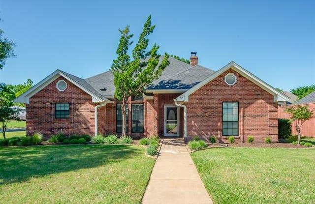 605 Meadowcrest Drive - 605 Meadowcrest Drive, Highland Village, TX 75077