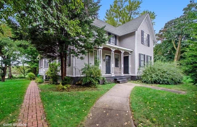 2404 Ridge Avenue - 2404 Ridge Avenue, Evanston, IL 60201