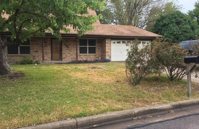 709 Pecan Street - 709 Pecan Street, Burleson, TX 76028