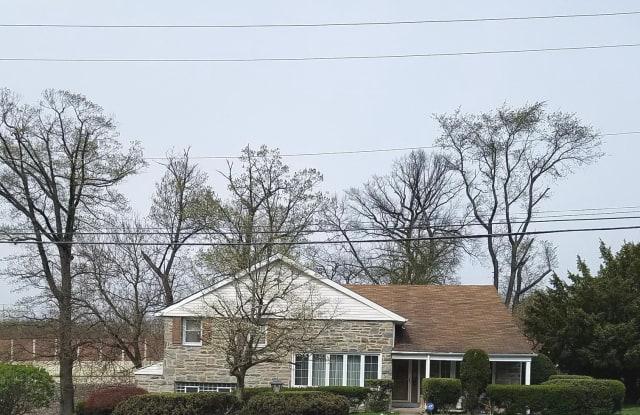 7701 DOE LANE - 7701 Doe Lane, Montgomery County, PA 19038