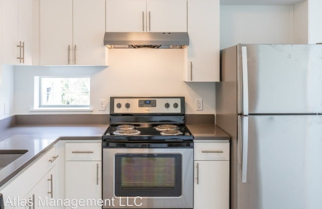 A14 - 4975 Northeast 14th Place, Portland, OR 97211