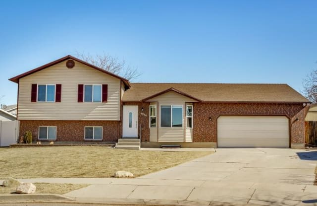 4934 South 3850 West - 4934 South 3850 West, Roy, UT 84067