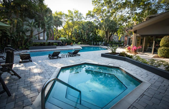 The Glades Apartments - 651 Glades Cir, Altamonte Springs, FL 32714